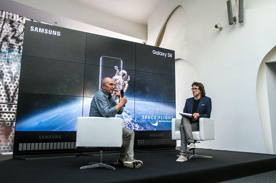 Dzięki goglom Samsung VR lecimy w kosmos